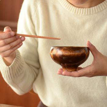 二種類の大きさから選べる「AEKA」の椀。こちらの「飯椀」は、一般的な汁椀と同じくらいの大きさです。