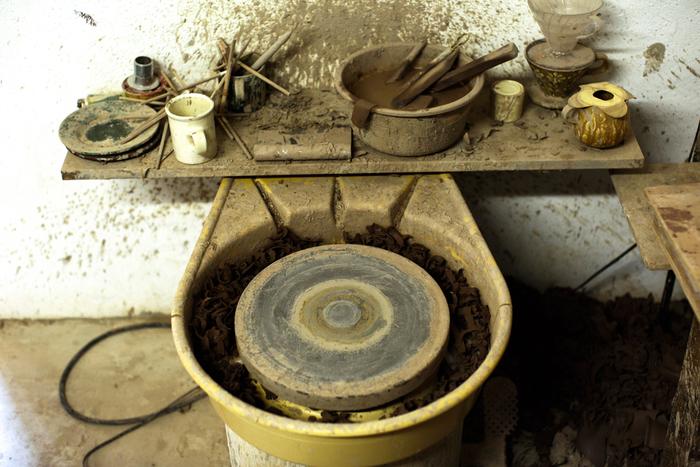 Vol.39 陶芸作家・久保田健司さん-泥で描く美しい模様。繊細な仕事が生み出す、心ほどける優しい器