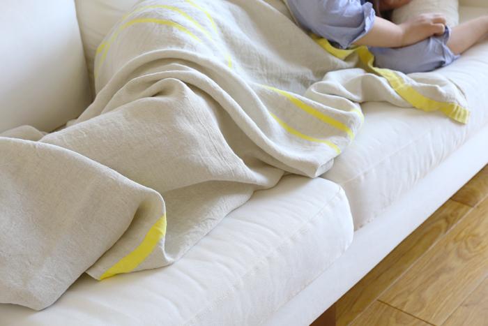 ちょっとお昼寝したいとき、身体にかけて冷房で冷えないようにカバーしてくれます。