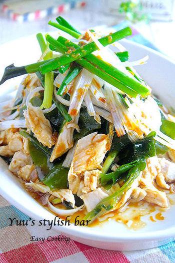 火を使わずに作れるサラダ。酸味が苦手な場合はタレに砂糖を加えると食べやすくなりますよ♪