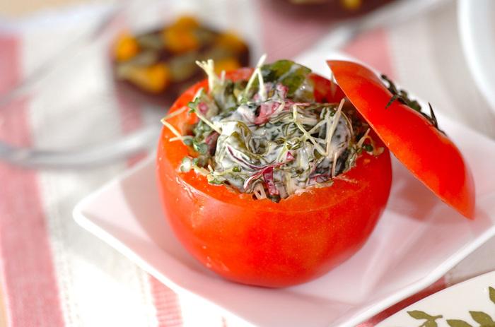 海藻ミックスは手軽に使える便利な食品。スプラウトと合わせてトマトカップに入れたら、パーティーにもぴったり♪