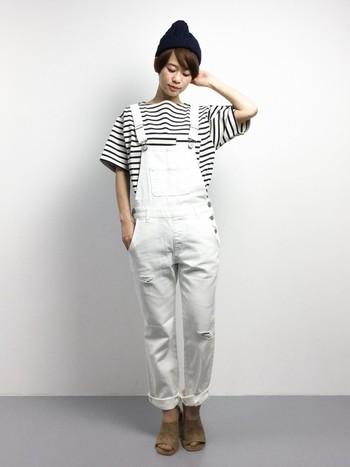 【ビッグシルエットTシャツ】リラックスして着たいから。メンズっぽくなりすぎないよう、足元に品の良さを忘れずに。
