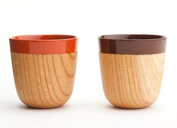 彦根のテーブルウェアブランド・CHANTO(シャント)のエスプレッソカップは、木に鮮やかな漆が施されています。手に収まる小さめのデザインとなっています。漆といっても難しい手入れは必要なく、日本伝統の漆を気軽に手に取って使えるのが魅力です。