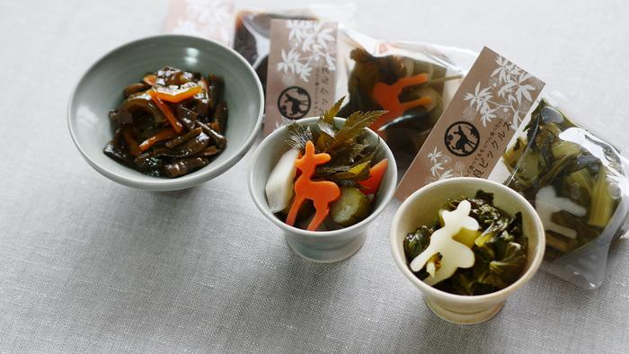 奈良ピックルスは奈良で作られる「大和の伝統野菜」にもこだわって作られています。奈良で受け継がれてきた野菜には私たちも知らないものがたくさんあって驚かされますよ。食べれば体にも嬉しい効果のある、昔からの知恵のつまった野菜たちです。