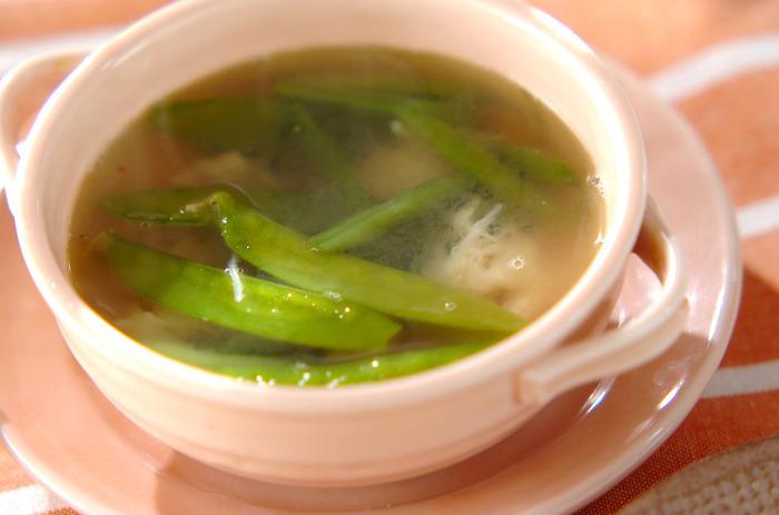 きぬさやとさやいんげんが入ったお豆スープ。食べ応えもあるので腹持ちは◎!