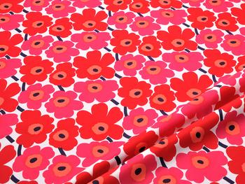 """【UNIKKO(ウニッコ)】 フィンランド語で""""ケシの花""""を意味する「UNIKKO」は、マリメッコの代表的なデザイン。誰もが一度は目にした事があるのではないでしょうか* 一面に咲いたお花が、雰囲気をぐっと明るくしてくれます。カラーバリエーションも豊富に揃えているので、じっくり選んでくださいね!"""