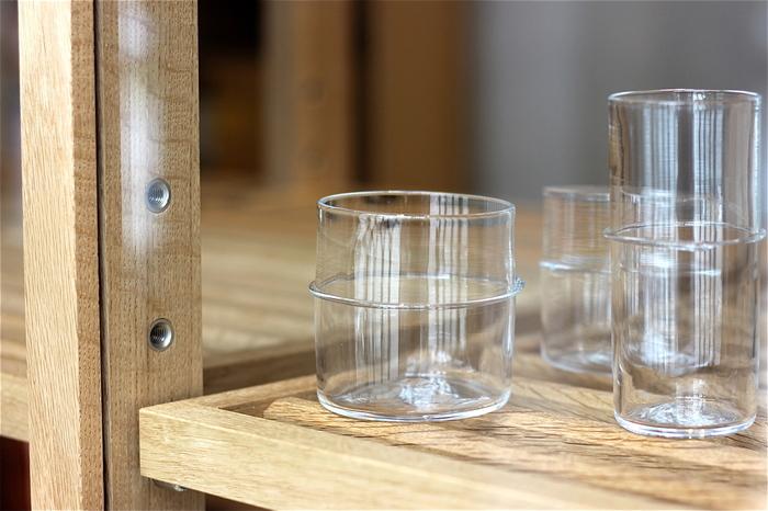 中ほどにあるラインは、グラスが手から滑り落ちないための工夫も兼ねているのかな?(^-^)