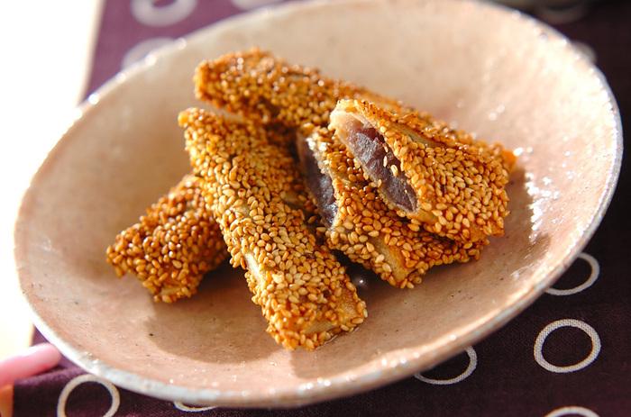あんこをいれたごま団子風デザートは、ゴマの香ばしさとあんこの甘さが美味しそうですね。