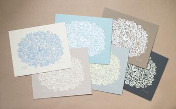 紙の色は6種類。(写真は「FLOWERS」)  ・ブルー ・グレー ・ベージュ ・アイボリー ・ライトブラウン ・ダークグレー