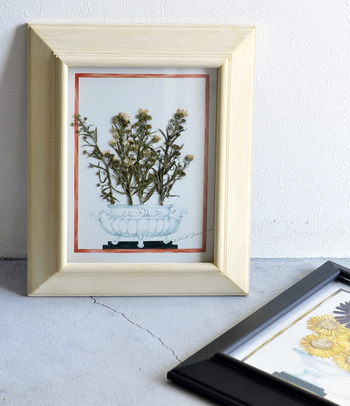 小さいサイズもあります。木の温もりあふれるナチュラルなお部屋にも、無機質なお部屋にも合いますね。
