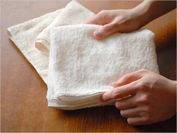 毎日使うタオルは、肌ざわりがよくてふわふわのものを選びたいですね。今治産の「Primavera(プリマベーラ)」は、ふんわりとした弾力が長く使い続けても持続。吸水性も乾きやすさも優れたものになっています。