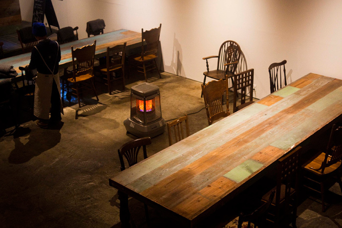 「TABLE」の名前の通り、このダイニングのシンボルは大きなテーブルです。このテーブルをみんなでわいわい囲むことで、美味しさを分かち合い、心までが繋がっていけること。それがこのテーブルに込められた思いなんです。