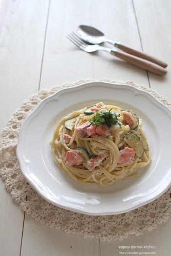 大葉や鮭を使った和風パスタはいかが? 昆布茶で味付けをした豆腐クリームは他の和風レシピにもぴったり。