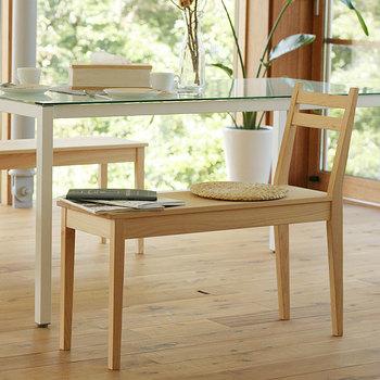 無垢の学習机が人気の「キシル」から、ダイニングテーブルが登場しました♪