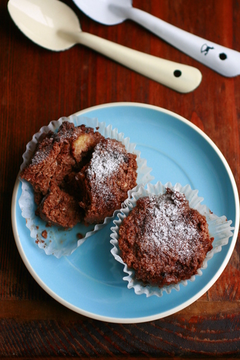 お砂糖ではなく、メープルシロップで甘さを出したこちらのレシピ。チョコチップを入れると、おいしさUPに加え、食感も楽しめます。