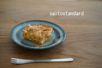 レクタングル深型Lサイズで作るお手軽スイーツ、りんごのシナモンケーキのレシピ。リンゴの甘さとシナモンのアクセントが引き立ちます。野田琺瑯を使えば、後片付けもとっても楽チン♪