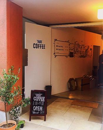 """""""朝8時にスタートするカフェ""""として、2016年3月にオープン。※日曜日はお休みです。"""
