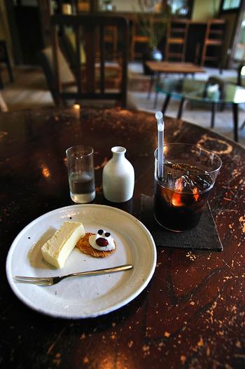 ケーキや、プリンなどの優しい味の手作りスイーツをいただくことができます。人気のカフェですが、ゆっくりとした時間が過ごせると大人気なんです。季節や、曜日によっては並ぶこともありますが、是非立ち寄っていただきたいおすすめカフェです。