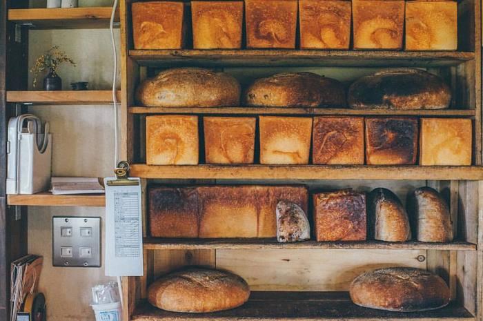 作っているパンは2種類。食パンとカンパーニュだけ。シンプルだからこそ、毎日食べたくなるような、飽きの来ない「究極の普通のパン」を日々焼いています。パンのほかには、スコーンやクッキー、ビスコッティなど「ふつうのお菓子」を販売。こちらも素朴で優しい味。