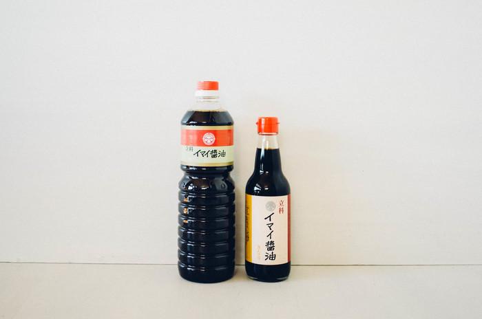 長野県にある老舗醸造元「酢屋茂(すやも)」の醤油。厳選された素材と伝統的な製法で丁寧に作られています。素材そのものの旨味が味わえる、極上の醤油。極上と言っても、お値段はリーズナブル。普段使いにちょうど良い価格なので、今ある醤油がなくなったら、試しに購入してみてはいかがでしょうか。