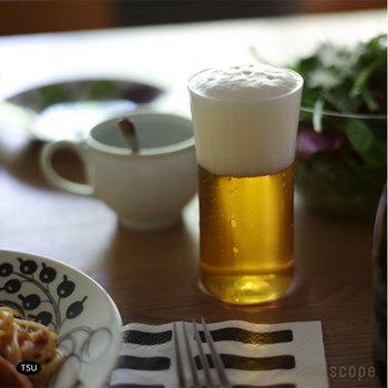 こちらは「TSUYU」のビアグラス。とっても薄いので、口当たりが繊細!ビールはグラスで味が違うと言われますが、まるで上品なお店で飲むビールのような感覚になりますよ。