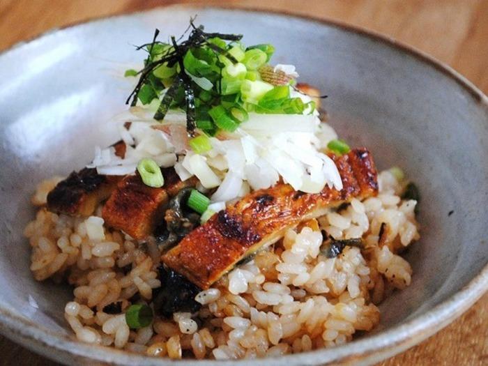 夏にお馴染みの鰻。実はビタミンやミネラルが豊富で、夏バテ対策にぴったりの食材なんですよ!せっかくのおいしい鰻、おうちでも簡単にできるひつまぶしにして、存分に味わいましょう♪