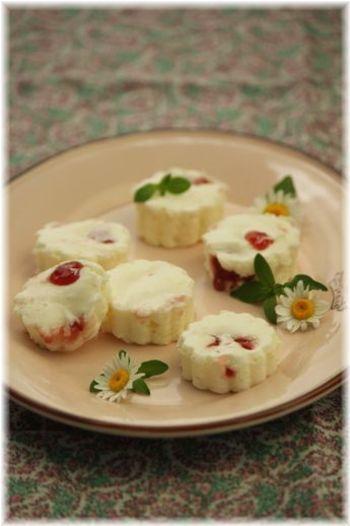 クリームチーズのほんのりした塩気とジャムの甘さのマリアージュを楽しめます♪
