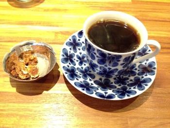 スペシャルなコーヒー&焼菓子。美味しく幸せを感じられるコーヒーと焼菓子、静かに流れるジャズが時間が過ぎるのを忘れさせてくれ、お洒落なインテリアが素敵な居心地の良さを作ってくれる場所です。