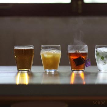 こちらは耐熱ガラスで作られているので、あたたかいものを欲する寒い秋冬にも活躍してくれます。花茶などを入れても美しいです。 ミントやレモンなどお好きなものを入れたりして、オリジナルも楽しめますよ♪
