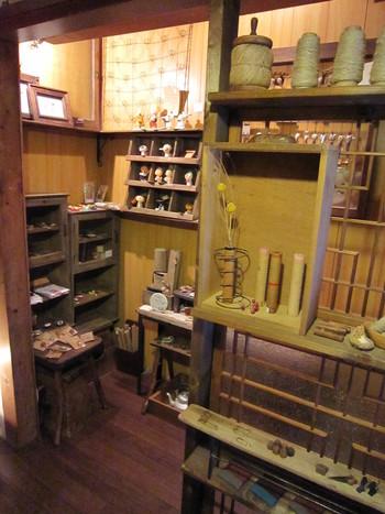 1階は雑貨店になっているそうです。レトロなものや、ちょっと変わった雑貨も並んでいるとか。