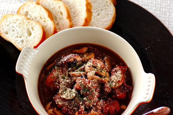 パスタソースにも使えるやわらか煮は、ディナーにぴったり。隠し味に赤みそを入れてコクもプラスして。