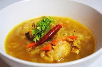 暑くて食欲がない時は、カレー味のスープもいかが?野菜もたっぷりとれますよ。