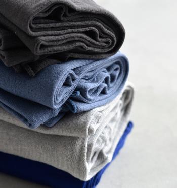 モノトーンとブルー系の、キレイなカラーバリエーション。コーディネートの差し色にブルーを選んでみてはいかがでしょうか♪