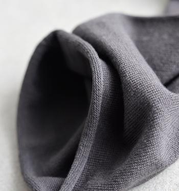 """こちらは裾が""""くるん""""とカールするタイプ。"""