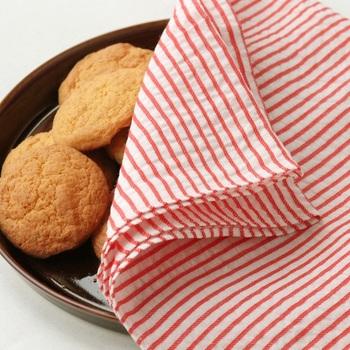 盛り付けたお菓子などを目隠しするのにも使えそうですね。