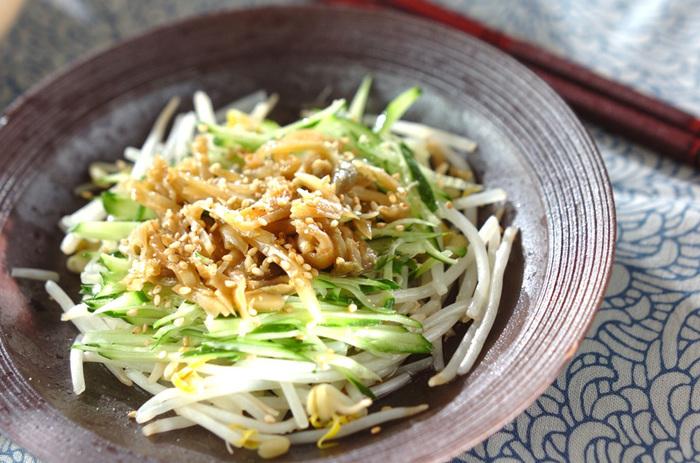 ごま油の香り高い中華風のお漬物。シャキシャキ、コリコリな触感がやみつきになります。