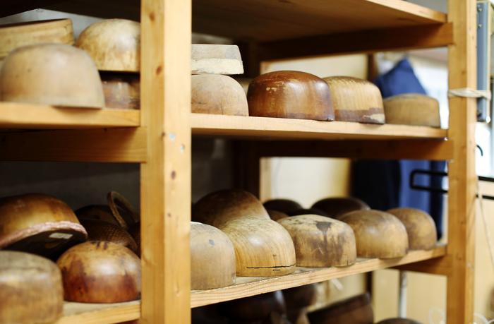 棚一面に並べられた木型の種類はじつに豊富