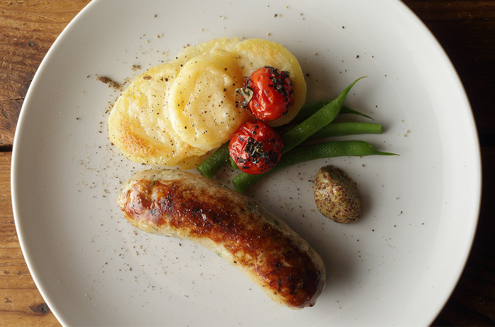 シンプルな味付けの自家製ソーセージも人気メニューの一つ。スパイスがソーセージの美味しさを引き出してます。