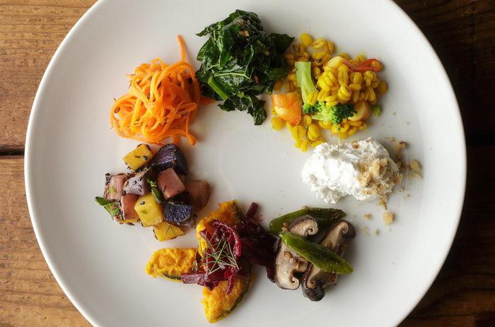 スパイスは肉料理専門?と思いきや、お野菜との相性も抜群なんです。新しいお野菜とスパイスの組み合わせで、新鮮な魅力を発見できそう。