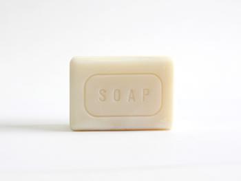 世の中には、たくさんの石鹸があります。あえて「THE」から石鹸を出すと考えたとき、下記のような答えにたどり着いたそう。