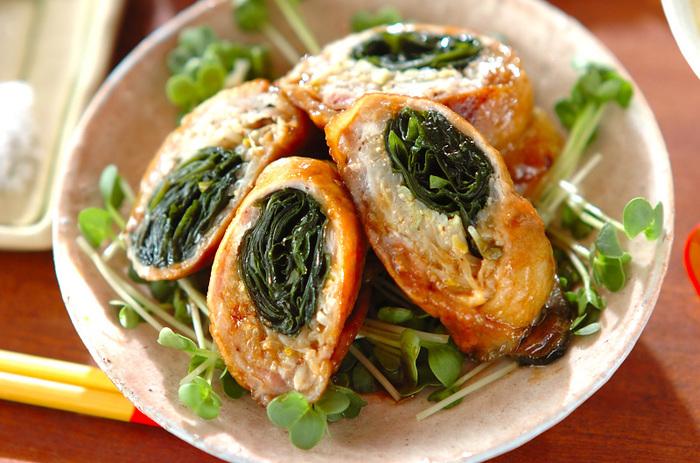 わかめともやしを豚の薄切り肉で巻いた、カロリーダウン&ボリュームアップ!のうれしい一品。お弁当にもよさそうです。