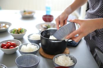 このお鍋を使えば、1合炊きといった少量のごはんでも、ふっくら艶々♪しかもとっても簡単に炊けるんです。