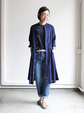 シルバー系のメタルフレームは、大人の女性らしく知的な印象に。 カジュアルなファッションにも合わせやすく、どんなスタイルともあう優秀色です。