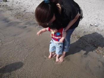 田沢湖は湖だけど、砂浜のところもあって湖水浴も楽しめるんですよ。