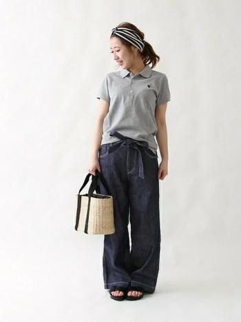 ポロシャツ×デニムワイドパンツのボーイッシュコーディネートには、ターバンで女の子らしさをプラス!