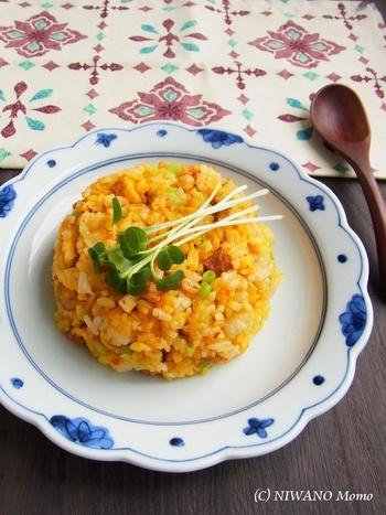 瓶詰の粒ウニを使った黄金色のチャーハンは、 ウニの旨味でどんどん食べられそう♪ 一人のお昼ごはんにも贅沢気分が味わえますね。