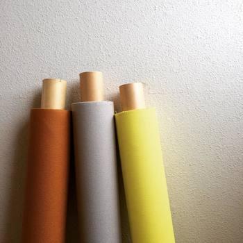 基本の7つのモデルの中から「1」→形を選んで、さらに「2」→生地(カラー)を決めて、自分だけのバッグが完成します。カラーサンプルをいただくこともできて、安心です。そして最後に希望があれば「3」→オプションが追加できます。