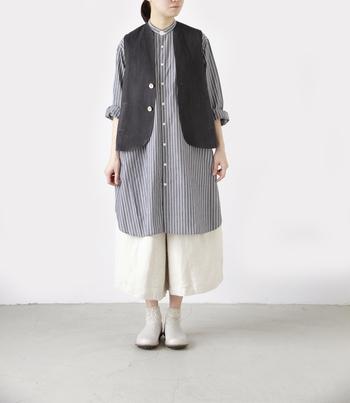 ベーシックな細身のパンツに合わせれば、見慣れたコーデもこなれ感がぐっとUP。ボリュームあるフレアスカートやガウチョパンツに合わせてもおしゃれです。
