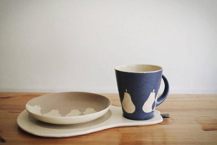 陶器というと和テイストが強めなイメージですが、こちらは可愛い洋ナシ柄。