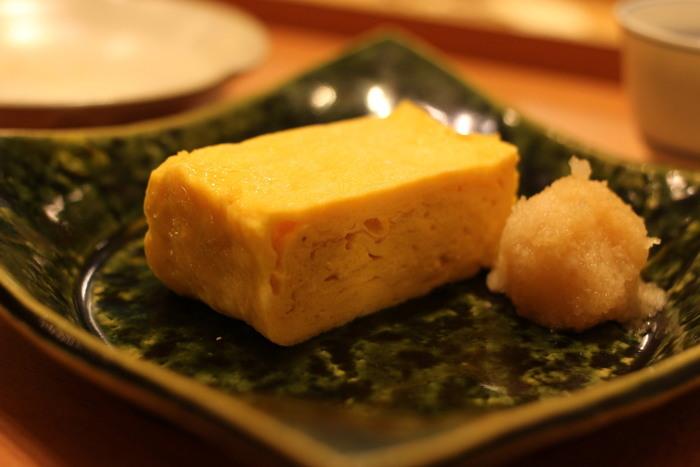 お昼はもちろん、夜に訪れるのもすすめ。日本酒にあわせて、旬の食材を使った一品料理を楽しんでみてはいかがでしょうか。